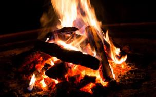 поленья, пламя, костер