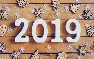 2019 год, концепции, креатив, снежинки, с новым годом, деревянный фон, белые цифры