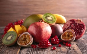 гранат, ананас, фрукты, манго, киви