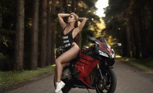 мотоциклы, мото с девушкой, девушка, honda, фон, взгляд