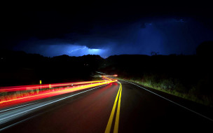 гроза, шоссе, ночь, молния