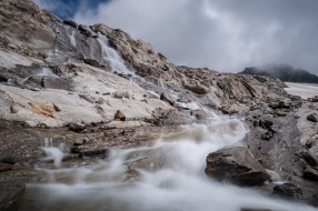 река, камни, горы