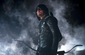 stephen amell, oliver queen