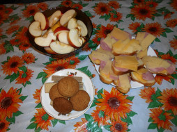 еда, бутерброды,  гамбургеры,  канапе, печенье, вафли, бананы, яблоки, сыр, хлеб, колбаса