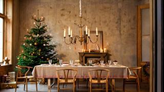 стол, люстра, елка
