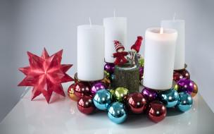 праздничные, новогодние свечи, фигурки, шарики, свечи