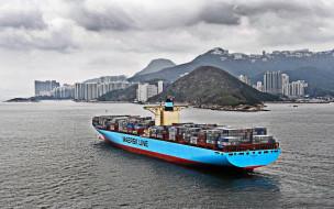 грузовой корабль, контейнеровоз, maersk line, побережье