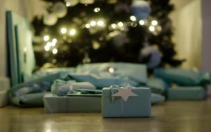 коробки, подарки, пол, ёлка, блики