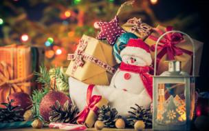 снеговик, шарики, коробки, фонарь