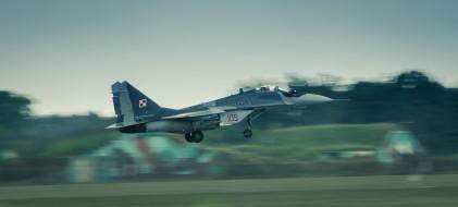 военный самолет, взлет, миг29, ввс польши