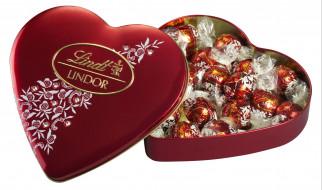 сердечко, конфеты, коробка