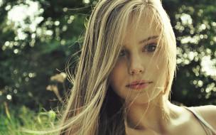 блондинка, лицо, зелень