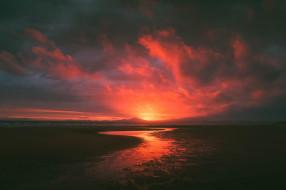 река, облака, закат