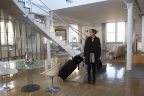 лестница, дом, чемодан, Дженнифер Лопес