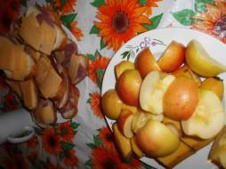 яблоки, бананы, сыр, хлеб, колбаса, бутерброды, еда