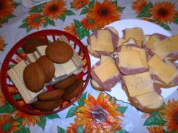 вафли, печенье, хлеб, сыр, колбаса, бутерброды, еда