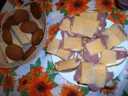 колбаса, хлеб, бутерброды, еда, печенье, вафли, сыр