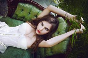 природа, фотография, брюнетки, зеленый, женщины, корсет, чувственный взгляд, красная помада