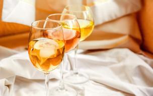бокалы, вино