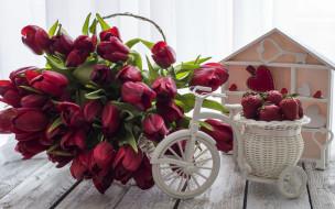 клубника, тюльпаны