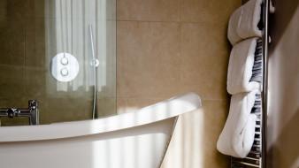 ванна, полотенца