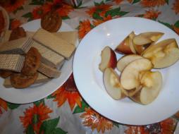 яблоки, печенье, вафли, еда
