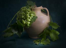 виноград, кувшин