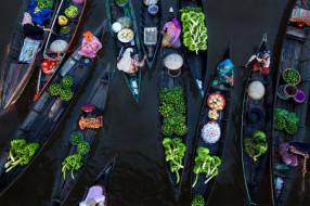 река Мартапура, Лок-Бланьян, плавучий рынок, Индонезия, лодки, торговля