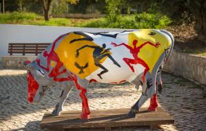 разное, садовые и парковые скульптуры, парк, граффити, корова