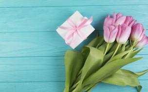 праздничные, подарки и коробочки, подарок, цветы, букет, тюльпаны, розовые