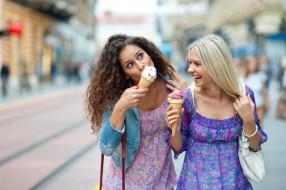 мороженое, подружки, девушки, брюнетка, блондинка