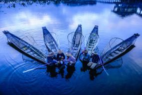лодки, озеро, рыбаки