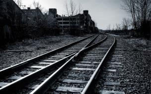 шпалы, рельсы, развалины, железная дорога