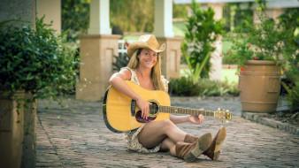 девушка, гитара, шляпа