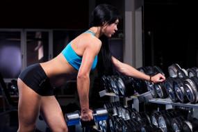 гантели, тяжелая атлетика, девушка, зеркало, спортзал