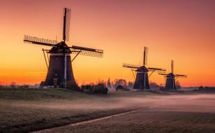 Netherlands, Leidschendam, South Holland, мельницы, закат