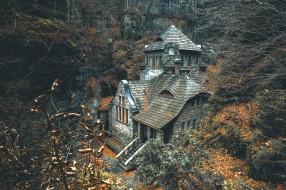 особняки, здание, архитектура, лес, осень, деревья, чешская республика, roman malikleaves, скала, опавшие листья