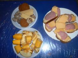 вафли, бутерброды, печенье, бананы, яблоки, еда, хлеб, колбаса, сыр