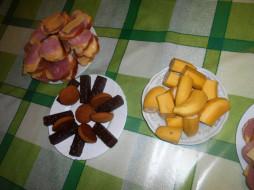 сыр, бананы, печенье, колбаса, еда, бутерброды, конфеты, хлеб