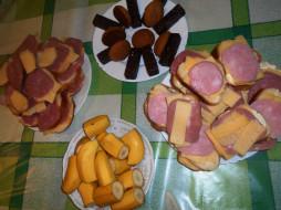бананы, колбаса, сыр, еда, конфеты, печенье, бутерброды, хлеб