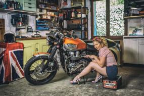 девушка, мотоцикл, взгляд, фон