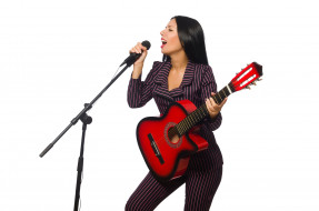 костюм, микрофон, взгляд, белый фон, прическа, гитара, брюнетка, макияж, фон, девушка