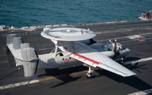 e-2d hawkeye, вмс франции, палубный радар для обнаружения самолетов, палуба авианосца, marine nationale