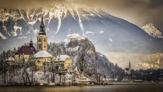 деревья, башня, зима, горы, снег, озеро, озеро блед, церковь, архитектура, словения, древние