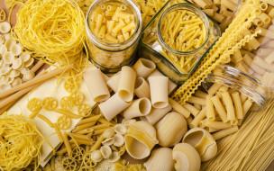 спагетти, макароны, ассорти