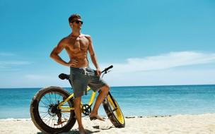 велосипед, пляж, парень