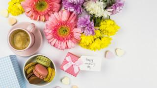 подарок, надпись, цветы, макаруны, кофе