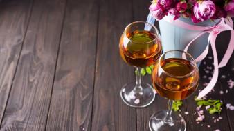 вино, розы, бокалы