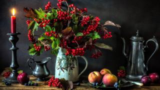 калина, персики, сливы, свеча