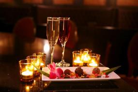 вино, свечи, десерт
